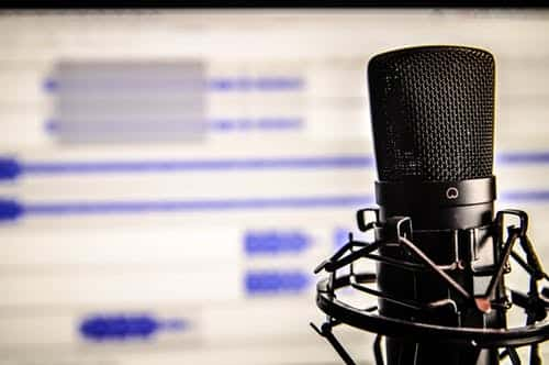 28 Of The Best Marketing Podcasts For Entrepreneur And Business Owners